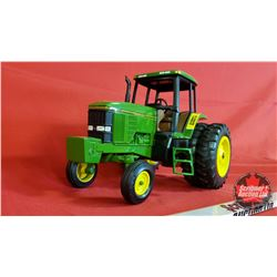 Diecast Toy : John Deere 7800 (1:16 Scale) 7000 Series Premier Edition