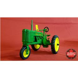 "Diecast Toy : John Deere HN ""Tricycle"" (1:16 Scale) 2000 Collector Edition"