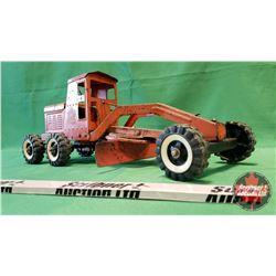 """Li'l Beaver Metal Toy Grader (7""""H x 18""""L x 7""""W)"""