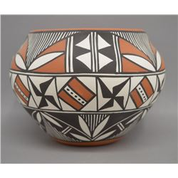 NATIVE AMERICAN ACOMA PAINTED POT BY HOWEYA