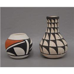 TWO NATIVE AMERICAN ZUNI AND LAGUNA POTTERY JARS