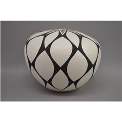 NATIVE AMERICAN ACOMA POTTERY BOWL BY VIVIAN SEYMOUR