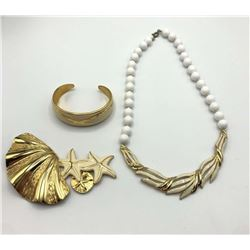 GORGEOUS VINTAGE GOLD TONED JEWELRY LOT: