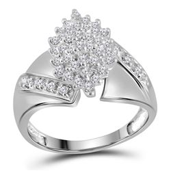 Womens Round Diamond Cluster Ring 1/2 Cttw 14kt White Gold - REF-32N9F