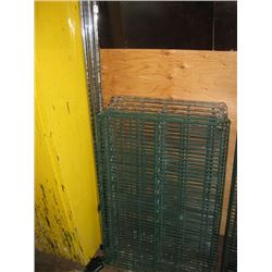 24 X 36 INCH WIRE RACK