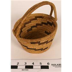 Tohono O'dham Handled Basket  (120974)