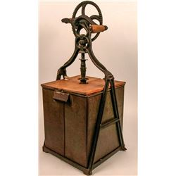 Early 20th Century Butter Churn  (120028)