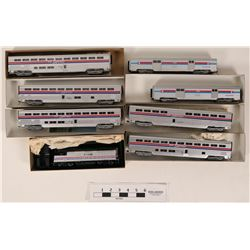 Model Train Con-Cor HO Amtrak cars w/Bachmann Locomotive  (121327)