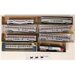 Model Train HO Amtrak Athearn Loco and Rolling Stock  (121326)