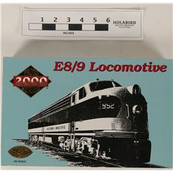 Model Train HO Porto 2000 Series E8/9 loco  (121329)