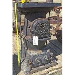 Southern Pacific Railroad Caboose Stove  (118236)