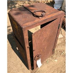 Rusty Gold Strong Box, Ghost Town Relic  (122003)
