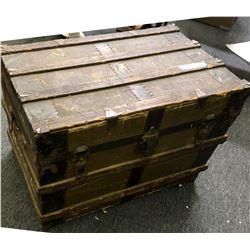 Vintage Steamer Trunk  (110742)
