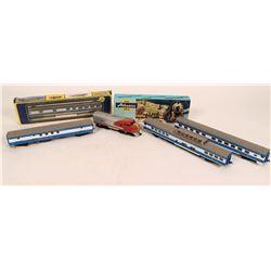 Model Train: Colorado Eagle HO cars and two locomotives  (121037)