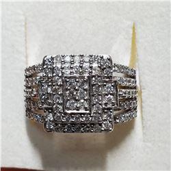 10K WHITE GOLD & DIAMOND RING SIZE 6.5