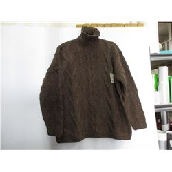 100 % Wool Sweater hand crafted in Equador