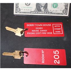 IT CHAPTER 2 SCREEN USED DERRY TOWN HOUSE HOTEL ROOM KEY #205