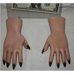 SEED OF CHUCKY TIFFANY SCREEN USED HERO HANDS FROM ANIMATRONIC PUPPET