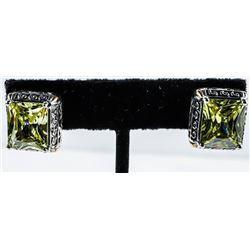 Ladies Yurman Style Swarovski Element  Earrings. New.
