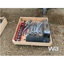 "COMBO WRENCHES, 3/4"" & 1"" SOCKET SETS"