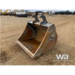 "CRAIG 250 SERIES 68"" CLEANOUT BUCKET"