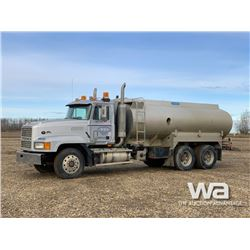 1994 MACK CL613 17,730 L WATER TRUCK