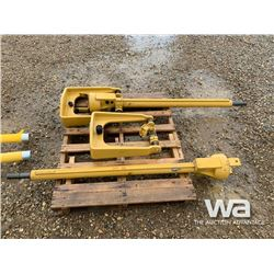 (2) CATERPILLAR DOZER BLADE GPS MASTS
