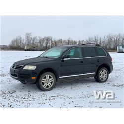 2004 VOLKSWAGEN TOUAREG CROSS-OVER SUV