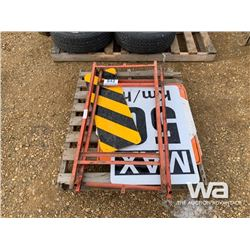 HIGHWAY ROAD SIGNS & STANDS