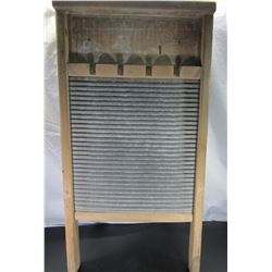 "Antique National Washboard Co 134 ""The Universal"""