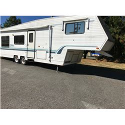 1996 CITATION 5TH WHEEL MODEL #30RL, WHITE, TRAVEL TRAILER, VIN #2GLBC54J2T7010471, NO ICBC