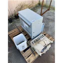 PALLET INCLUDING A COMMERCIAL SERIES 600V DRY-TYPE TRANSFORMER MOD CDTA0030 S900000, BOX OF NAILS &