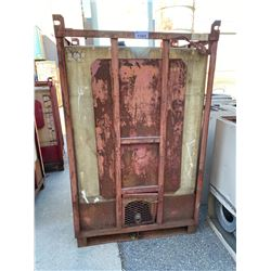 LARGE LIQUID CONTAINER IN METAL FRAME