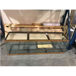LARGE TANK WITH 2 WOODEN BOARDS