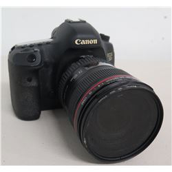 Canon EOS 5D Mark IV Camera w/ EF 24-105mm Zoom Lens