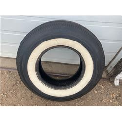 1 BR GOODRICH SILVER TOWN ORIGINAL BIAS PLY TIRE IN EXCELLENT SHAPE NO RESERVE