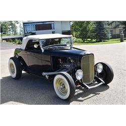 1932 FORD ROADSTER CONVERTIBLE 383