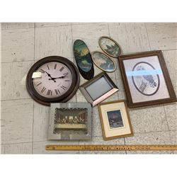 WALL HANGING LOT AND CLOCK