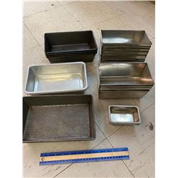 LOT OF OLD BREAD PANS