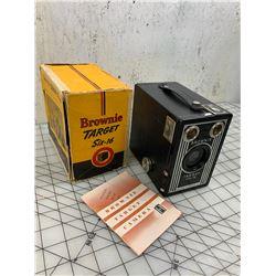 BROWNIE TARGET SIX-16 VINTAGE CAMERA AND BOX