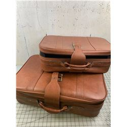 SET OF 2 SUITCASES