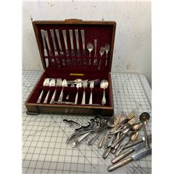 PLATED SILVERWARE AND CASE