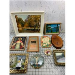 LOT OF WALL PIECES JESUS ETC