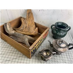 TOMATO CRATE DRIFT WOOD SILVER PLATE TEA POT