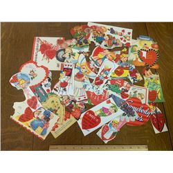 LOT OF VINTAGE VALENTINES DAY CARDS