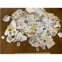 LOT OF INTERNATIONAL USED POSTAGE STAMPS