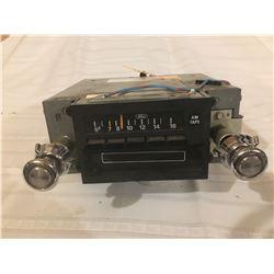 446-FORD COUGAR ORIGINAL RADIO/8TRACK PLAYER 1978XL