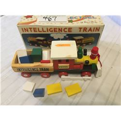 467-WOODEN INTELLIGENCE TRAIN WITH SHAPES MINT PRE1995