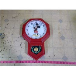 VINTAGE MICKEY MOUSE CLOCK BY WELBY