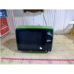 1960'S-70'S LIME GREEN TOSHIBA PLASTIC BLACK AND WHITE PORTABLE TV